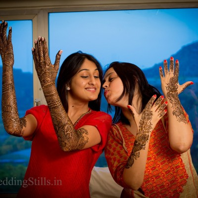 displaying mehendi